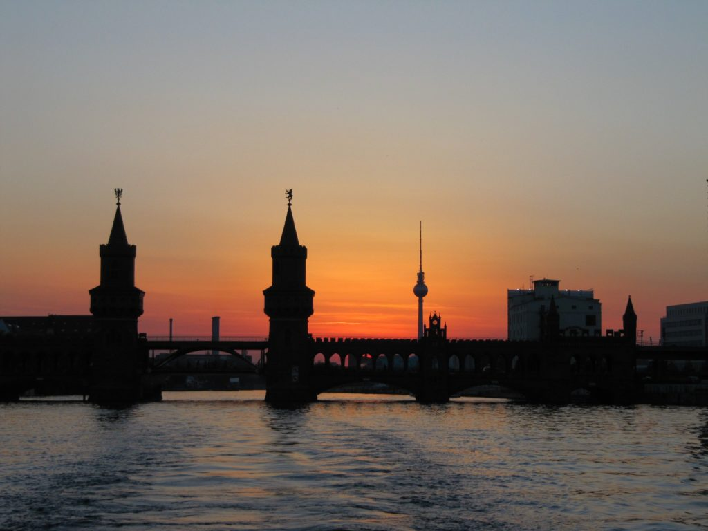Berlin Skyline Oberbaum Brücke / Oberbaum Bridge by Pexels
